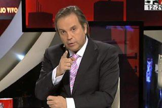 """Antonio Miguel Carmona: """"En broma, ¿pero cuánto falta para que Esperanza haga un strip-tease para dar un titular?"""""""