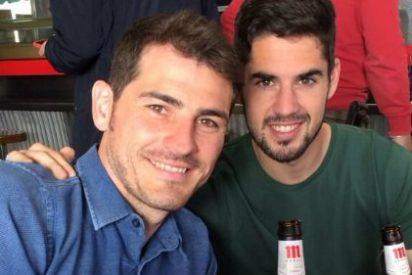 Dos jugadores de la Selección... ¡de cerveceo durante la grabación de un anuncio!
