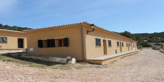 Abre sus puertas el nuevo refugio del Parque Nacional de Cabrera en el viejo campamento