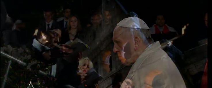 La crisis, el paro, los inmigrantes y la violencia de género en el Via Crucis del Papa