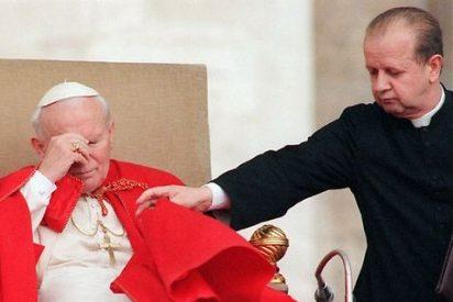 Juan Pablo II: Mano fuerte, canonización discutida