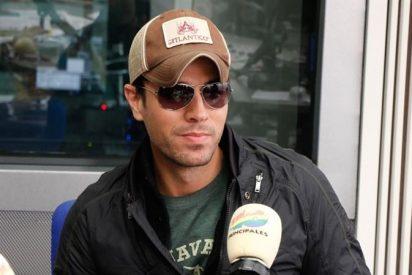 """Enrique Iglesias: """"Me da miedo dormir en bolas por si hay un incendio y tengo que salir corriendo"""""""