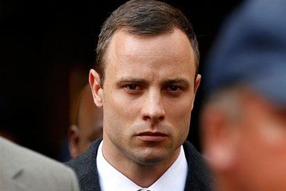 """El interrogatorio a Oscar Pistorius deja a todos helados: """"Pude sentir su sangre corriendo sobre mí"""""""