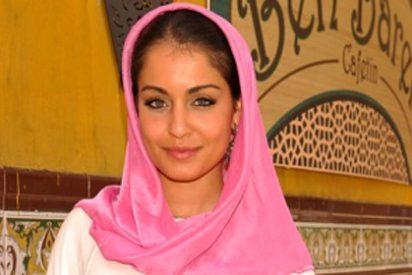 La nueva 'borde' de la TV: Hiba Abouk cobra 6.000 euros en una presentación y se larga a los 2 minutos por no querer hablar de sus pechos