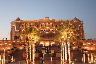 Conozca el hotel más lujoso del mundo sólo para bolsillos de '7 estrellas'...es el favorito del Rey