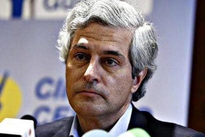 El hijo de Suárez se une a la guerra contra Pilar Urbano