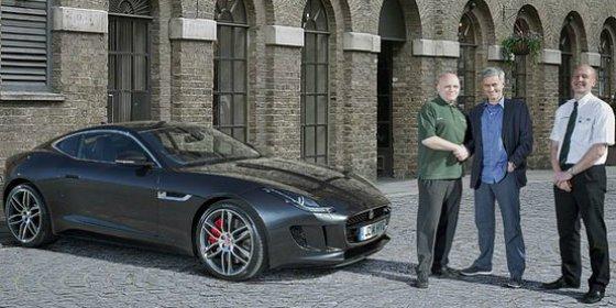 Regalan un coche valorado en 150.000 euros a...¡Mourinho!