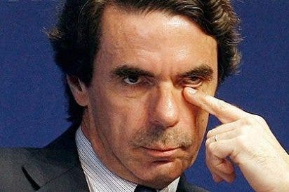 Aznar estrena su lujosa casa en Marbella y 'envuelve' su autoregalo con la bandera española, mire usted