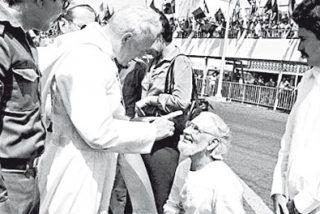 """Ernesto Cardenal ve """"una monstruosidad"""" la canonización de Juan Pablo II"""