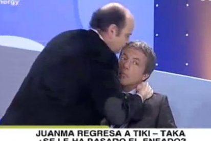 Juanma Rodríguez regresa a Tiki Taka repartiendo besos tras su 'espantada'