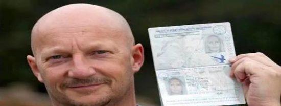 Un calvo con perilla logra entrar en España usando el pasaporte de su novia rubia