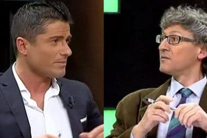 """Aingeru Usoz a Alfonso Merlos: """"No sé si es que hay alguna plaza vacante en el departamento de comunicación de la Casa Real y te has presentado"""""""