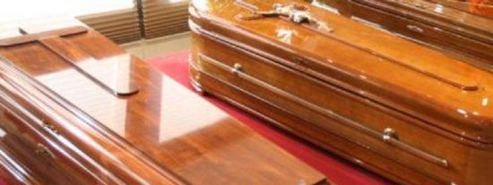 ¿Dónde se atreven a preparar los famosos su propio entierro y a poner 'cuco' su ataúd?