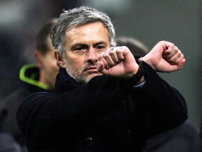 La afición del Chelsea hace una colecta para pagar a Mourinho