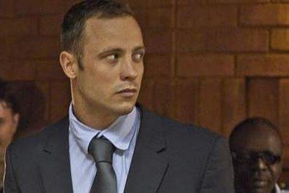 Obligan a Pistorius a ver las fotografías del cadaver de su novia