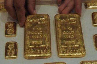 Dice que se ha tragado la tapa de una botella y le encuentran...¡12 lingotes de oro en el estómago!