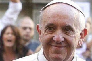 """Francisco, a una mujer casada con un divorciado: """"Puedes comulgar, no haces mal a nadie"""""""