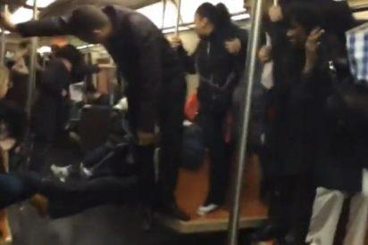 [Vídeo] Una rata desata el pánico entre los pasajeros del metro de Nueva York