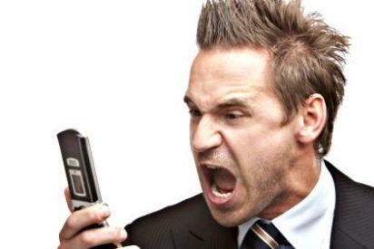 Francia acuerda apagar los móviles de los trabajadores a las 6 de la tarde para que no les den la tabarra