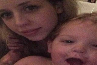 La misteriosa mano fantasma que aparece en la última selfie de Peaches Geldof