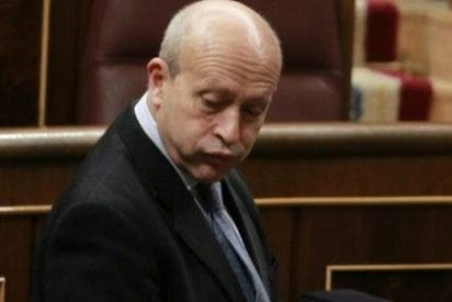 Wert asegura que antes del 15 de mayo se remitirán las becas pendientes de pago