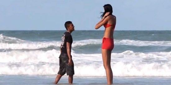 A la mujer más alta del mundo no le importa que su novio tenga 40 centímetros de menos