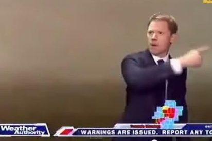 [Vídeo] Un tornado hace salir por piernas al presentador de televisión, en directo y sin rubor