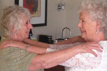 [Vídeo] Las hijas mellizas de una cocinera soltera se conocen 78 años después