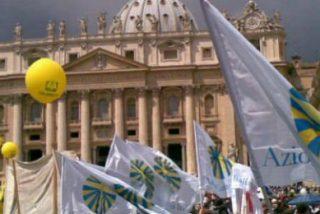 """Francisco, a la Acción Católica: """"Hay que dejar las puertas abiertas de las parroquias, al menos para que salga Jesús"""""""