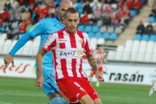 El Sevilla va a por Aleix Vidal