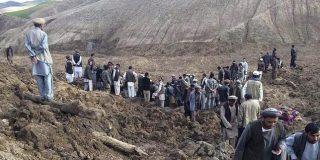El barro se traga a casi 3.000 personas en un pueblo olvidado de Afganistán