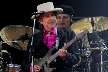 Bob Dylan habría 'robado' mil frases de otros autores para adornar su autobiografía