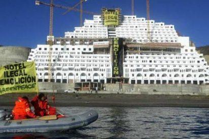 Ni cuatro ministros, ni milongas varias, pueden con los cimientos del hotel de El Algarrobico