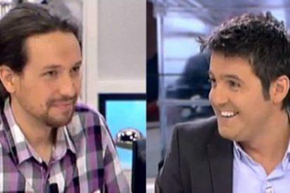 """Cintora babea con su amigo Pablo Iglesias y se burla de Jaime González: """"Anda, tómate un sorbito de agua"""""""
