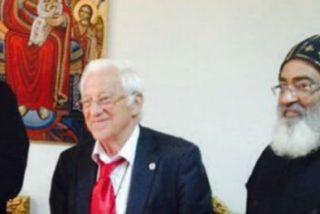El Papa de los coptos recibe al Padre Angel en El Cairo