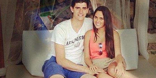 Courtois encuentra novia en España