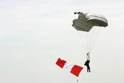 Un tipo con suerte se cae desde una altura de 1.500 metros...¡y no le pasa nada!