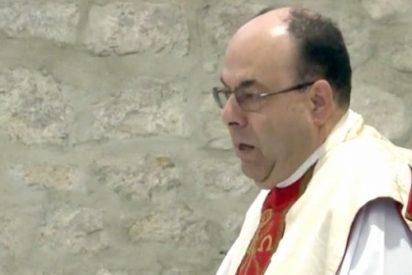 Los vecinos de Canena disculpan a su párroco