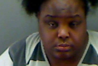 Meten a una mujer de 31 años en la cárcel por hacerse pasar por una colegiala de 15
