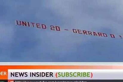 Los aficionados del United se mofan de Gerrard con un mensaje en una avioneta