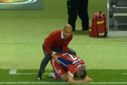 Guardiola revoluciona las redes sociales tras su masaje a Ribery