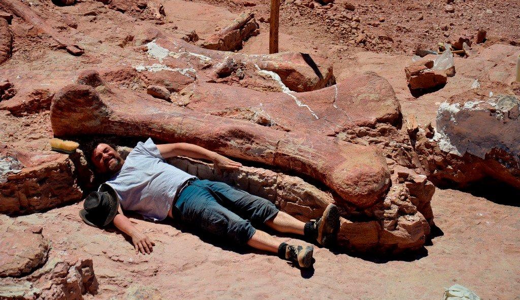 Encuentran en Argentina los restos del mayor dinosaurio del mundo