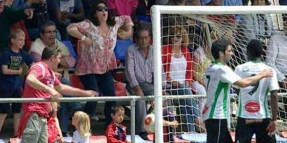 Deja en evidencia a la aficionada que le insultó durante el partido