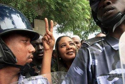Condenan a muerte a una sudanesa por convertirse al cristianismo