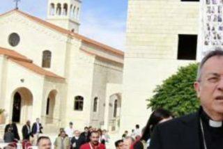 El cardenal Maradiaga visita a los refugiados sirios en Jordania pocos días antes de la visita del Papa