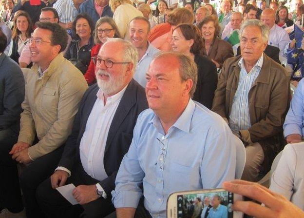 Cañete asegura en Mérida que acabara la legislatura bajando los impuestos y el paro