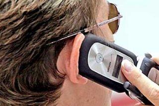 Hablar más de 15 horas al mes por el móvil nos puede costar un cáncer de cerebro