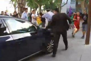 El vídeo de las pedradas y botellazos contra Montoro y Sánchez-Camacho pone nota a los anarquistas