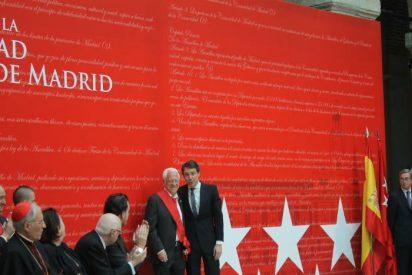 El Padre Ángel recibe la Gran Cruz de la Orden del Dos de Mayo de la Comunidad de Madrid