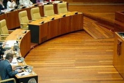 El Parlamento extremeño rechaza el plan de empleo propuesto por el PSOE